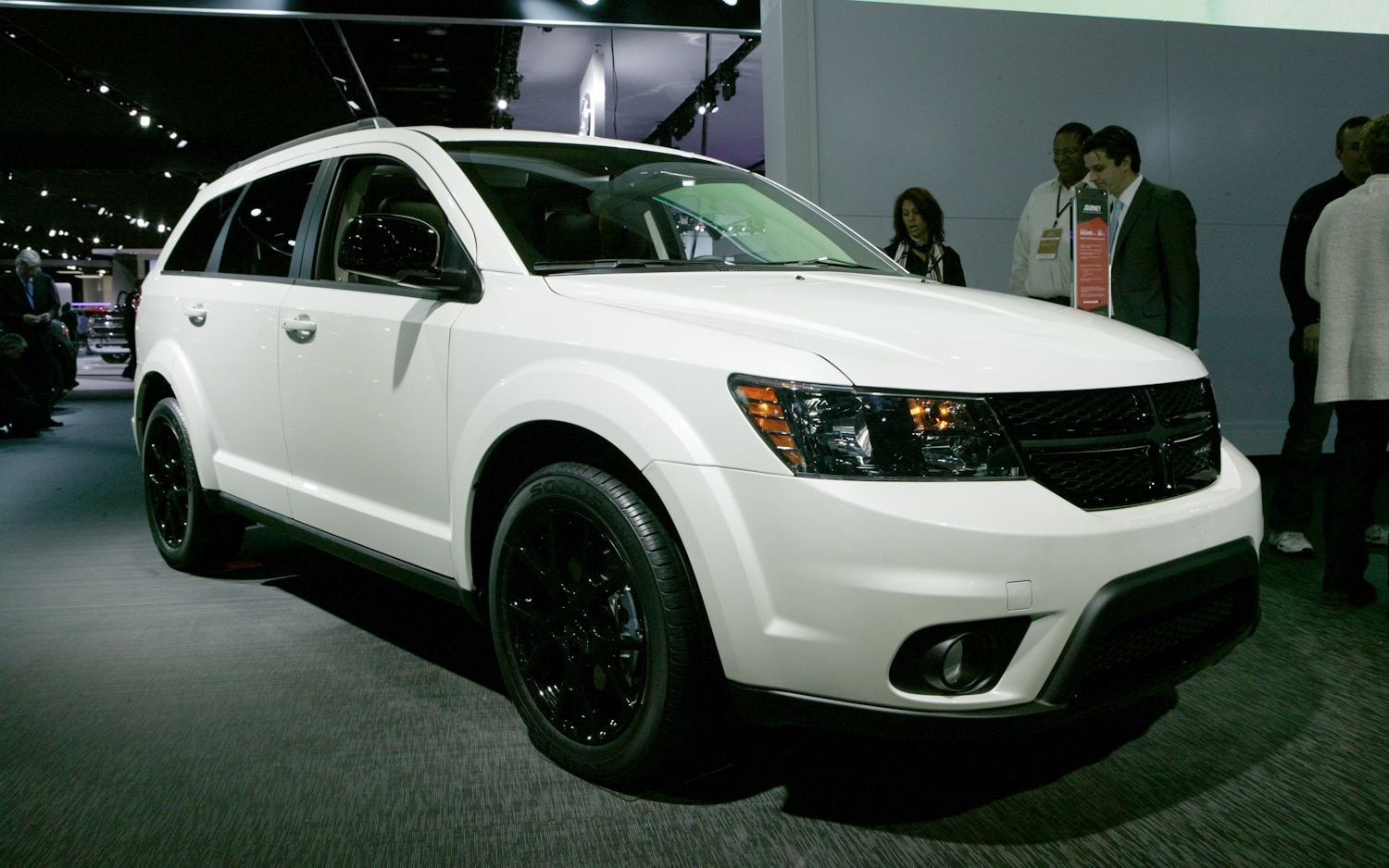 Dodge Journey Blacktop Front Three Quarters 21