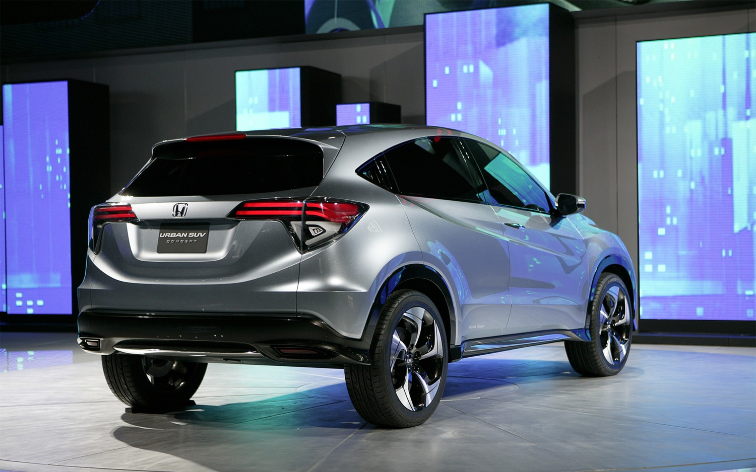 Detroit 2013 honda urban suv concept is an almost acura for Honda suv 2017 price