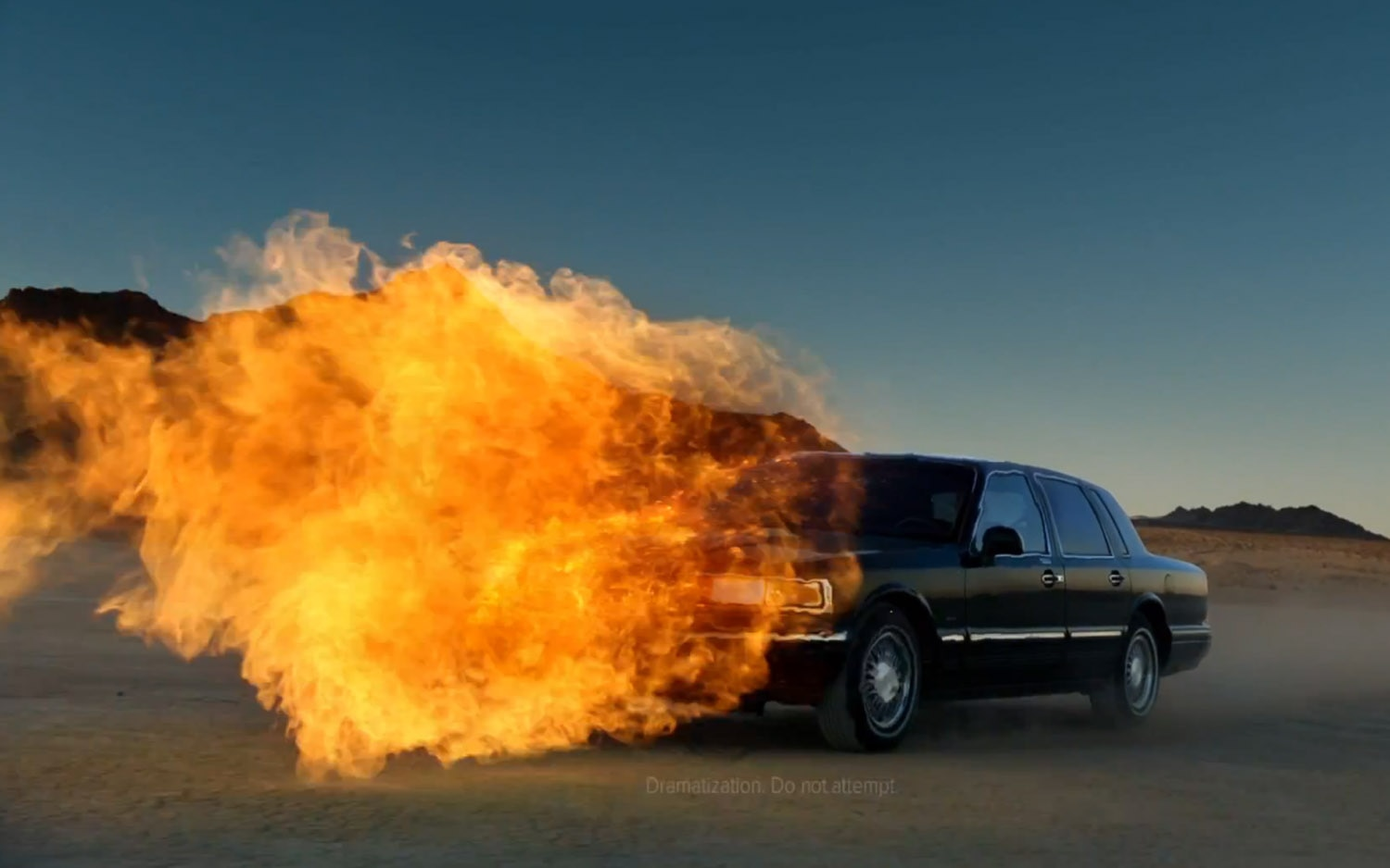 Lincoln Town Car SB47 Flamethrower1