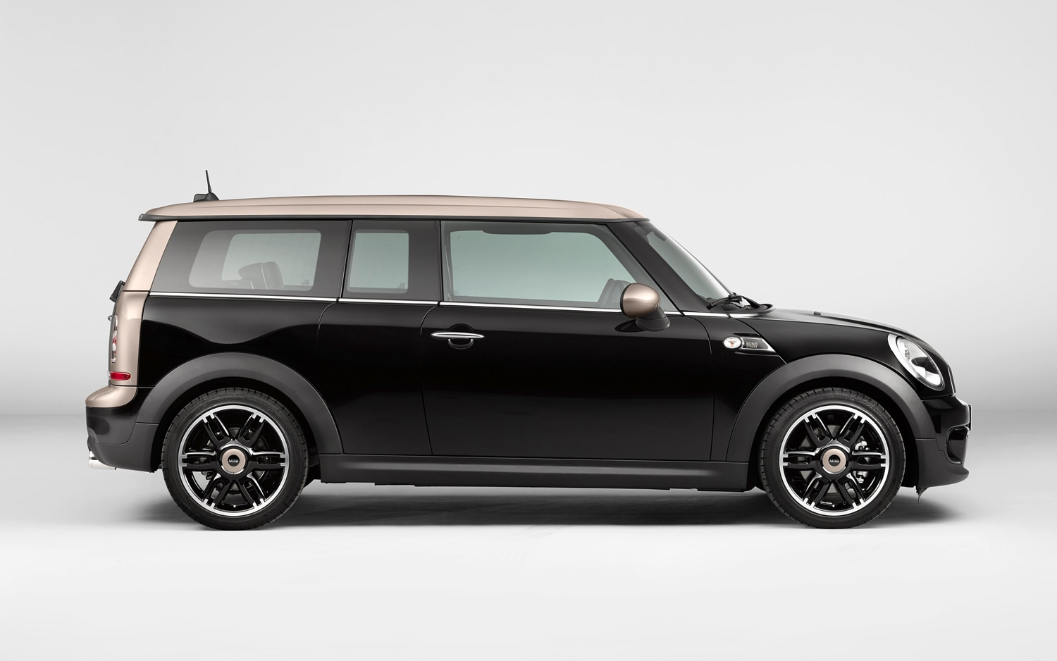 Mini Clubman Bond Street Edition Right Side1