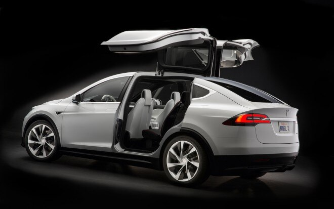 Tesla Model X Falcon Doors1 660x413