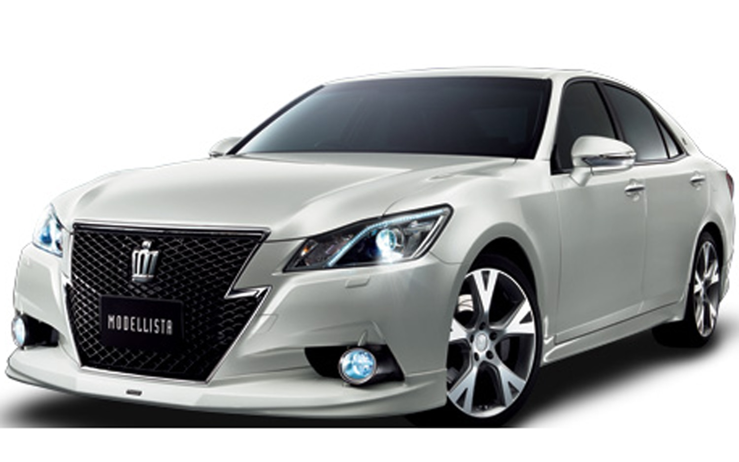 Full Size Rwd Toyota Crown Debuts In Japan Enters 14th