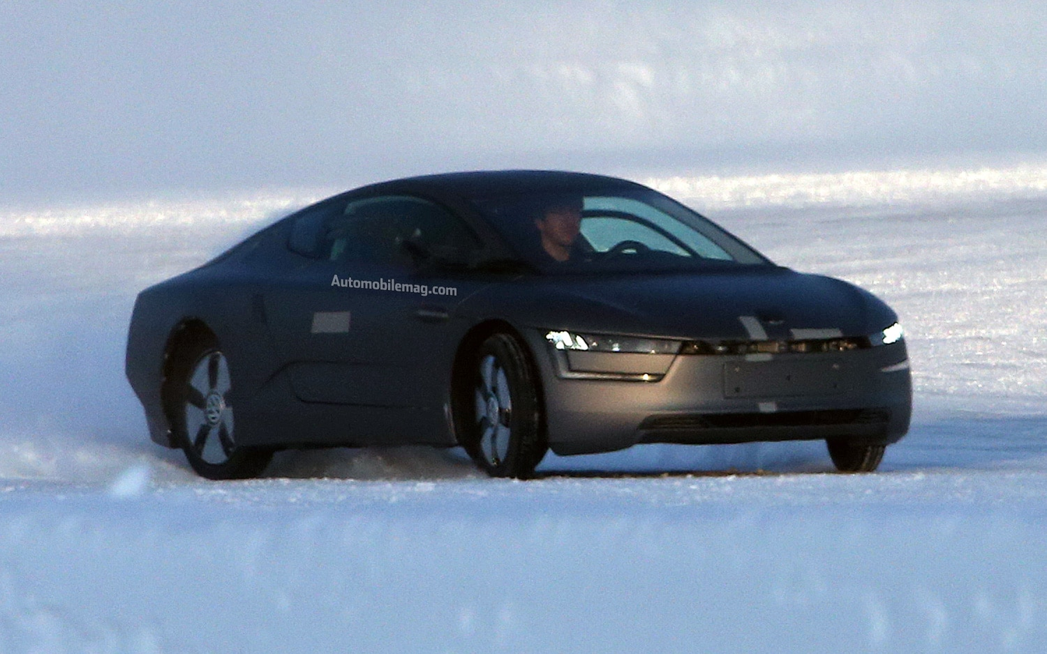 Volkswagen XL1 Spy Photo Front Three Quarter 21