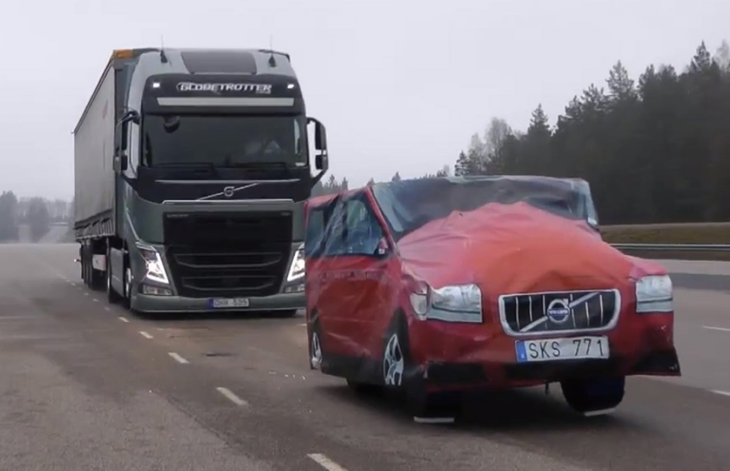 Volvo FH Globetrotter Emergency Brake Demo Static Vehicle1