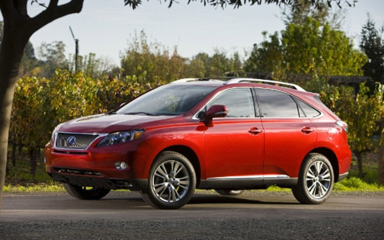 2010 Lexus RX Front Three Quarter 21
