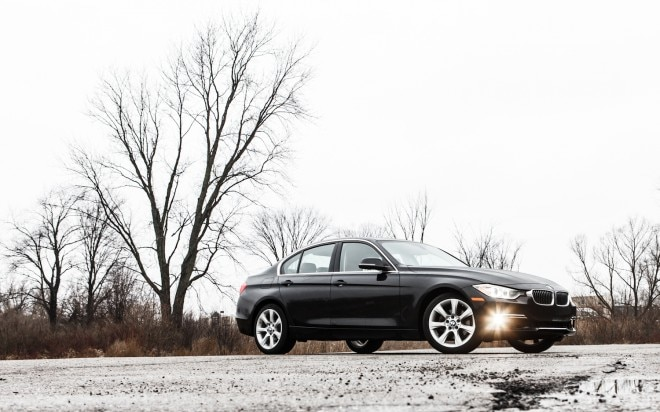 2012 BMW 328i Front Right Side View1 660x412