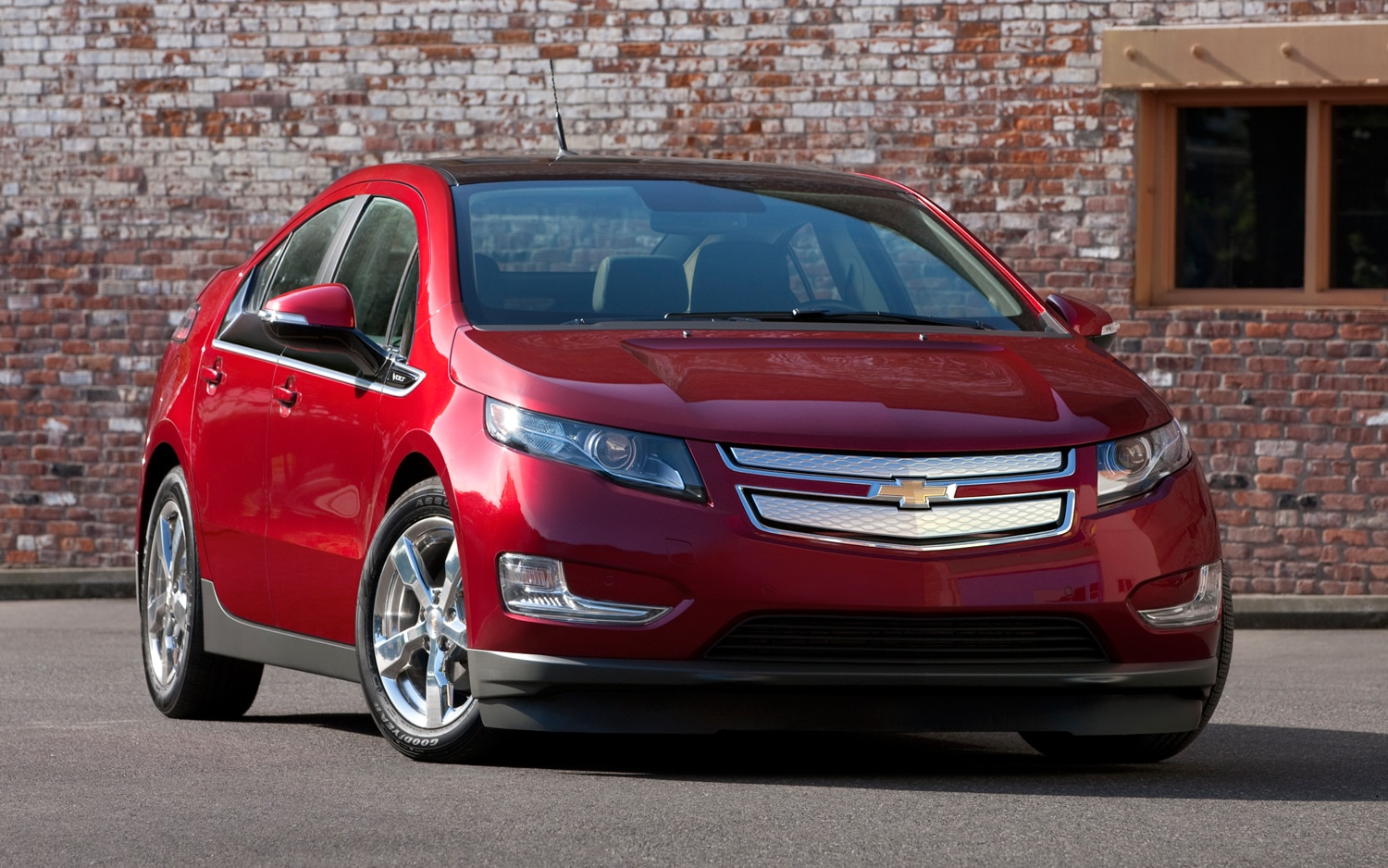 report gm increasing chevy volt plug in output by 20 percent. Black Bedroom Furniture Sets. Home Design Ideas