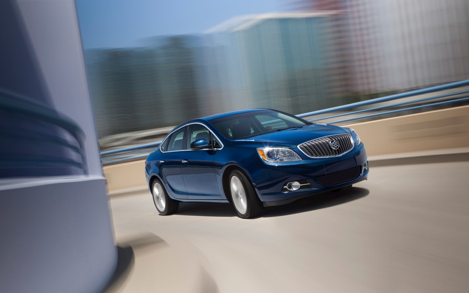2013 Buick Verano Turbo Front Right Side View 2