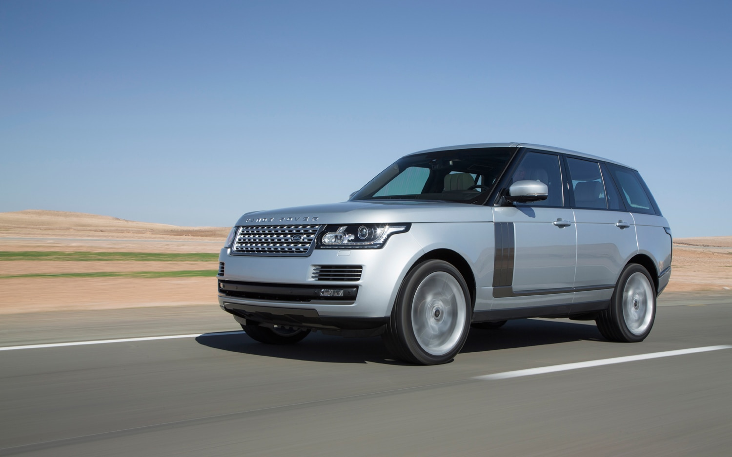 2013 Land Rover Range Rover IndusSilver Front Left Side View1