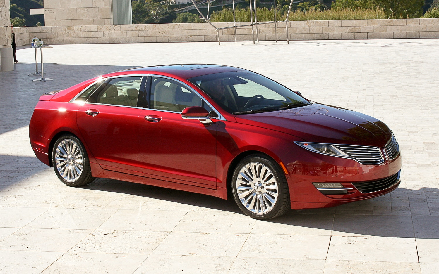 2013 Lincoln MKZ Red Front Angle1