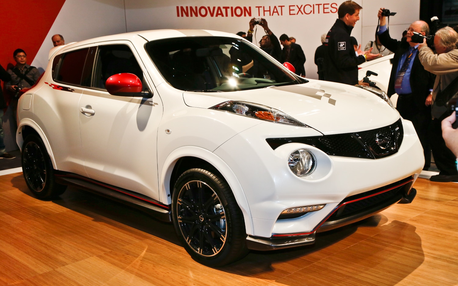 2013 Nissan Juke Nismo Front Three Quarters1