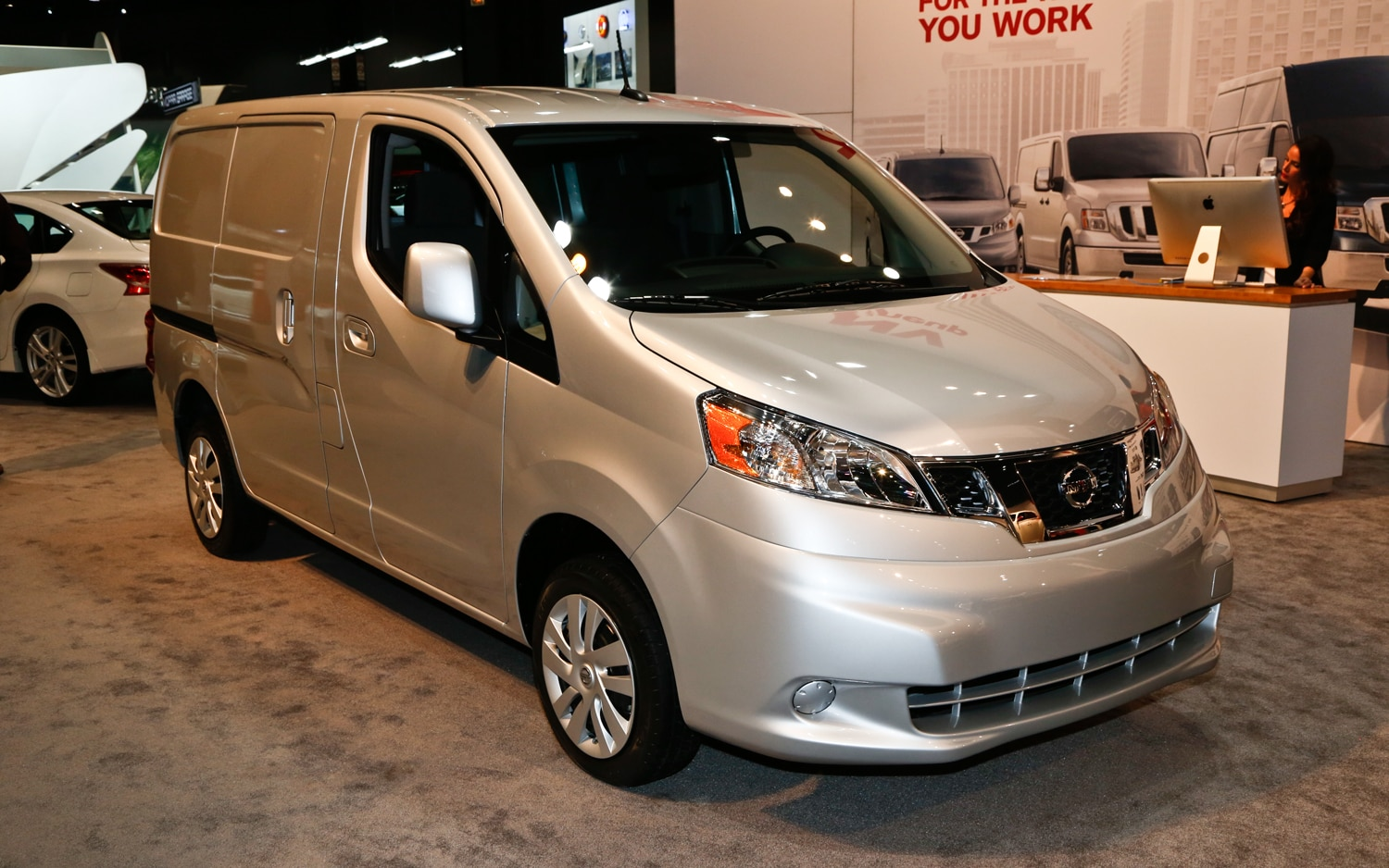 2013 Nissan NV200 Front Three Quarters1