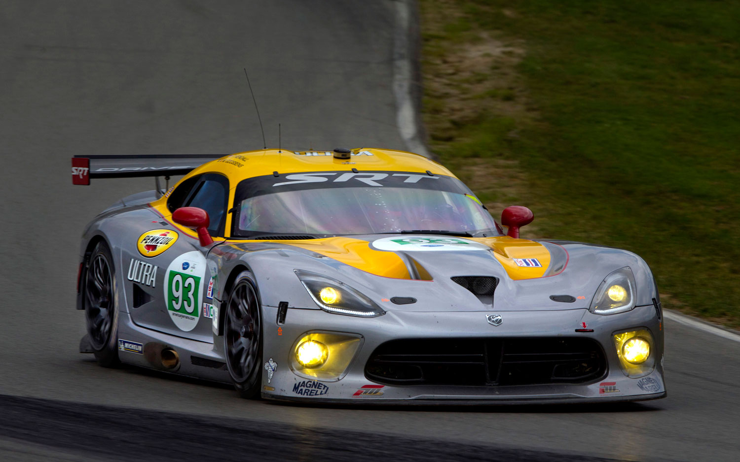 2013 SRT Viper Race Car On Track1