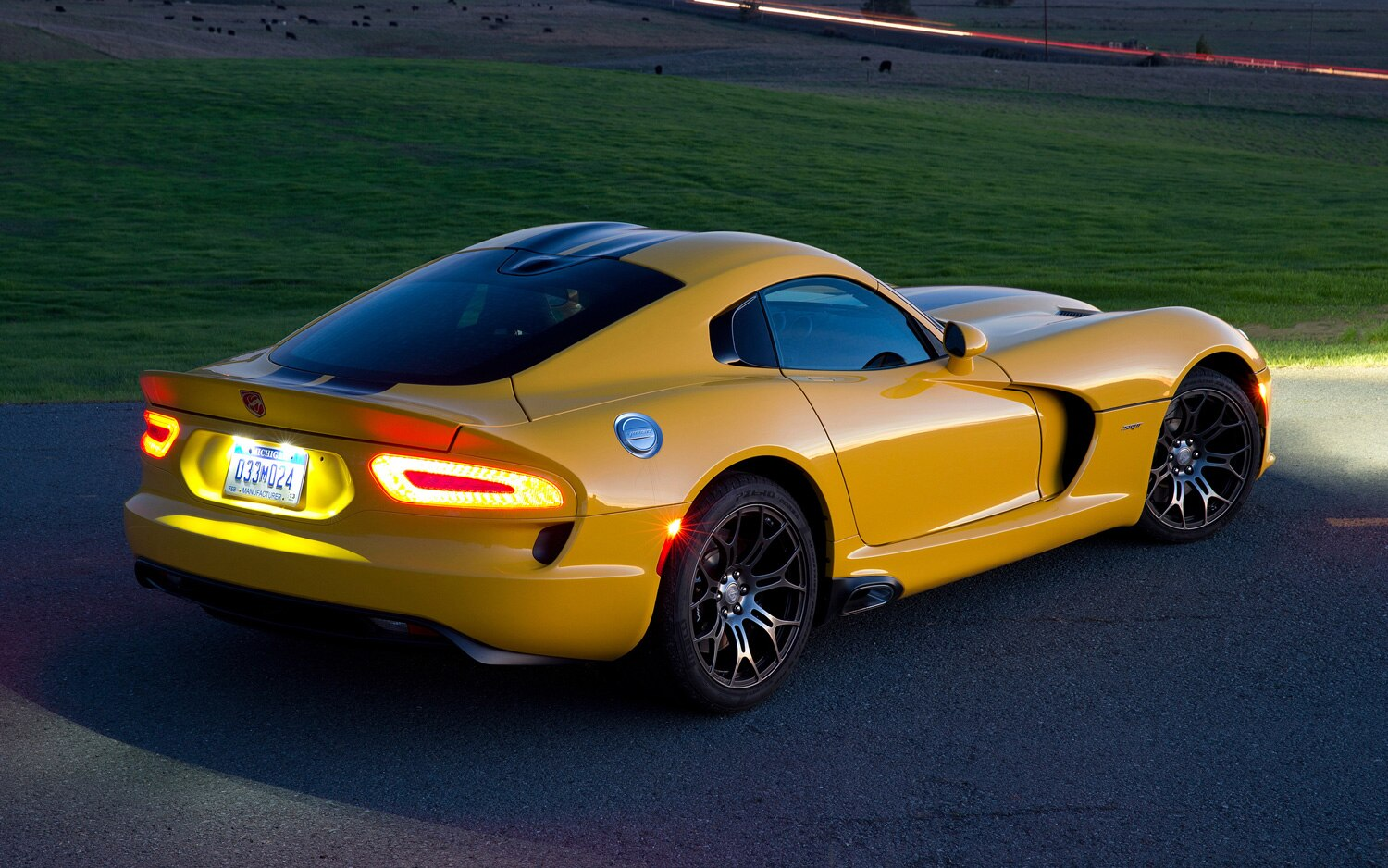 2013 SRT Viper Rear Three Quarter Yellow1