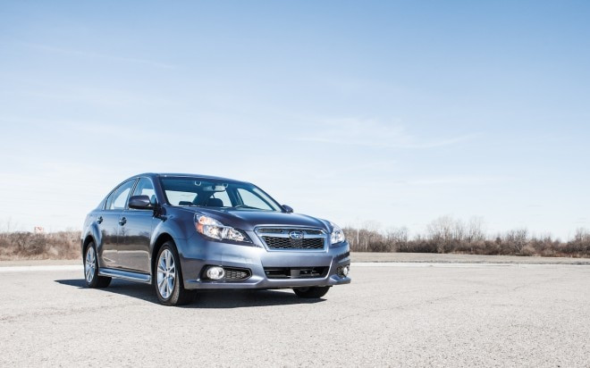 2013 Subaru Legacy 2 5i EyeSight Front Right View1 660x412