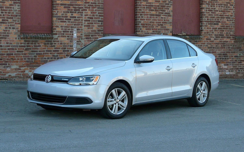 2013 Volkswagen Jetta Hybrid Front Left View1