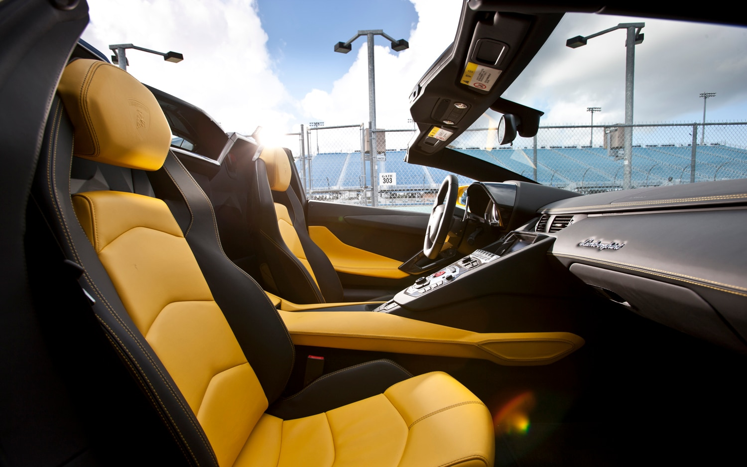 First drive 2013 lamborghini aventador lp 700 4 roadster for Interior lamborghini