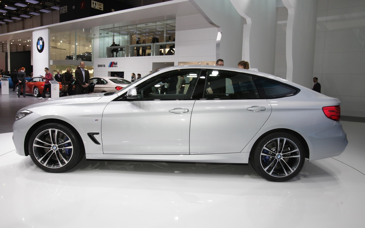 2014 BMW 3 Series Gran Turismo Side1