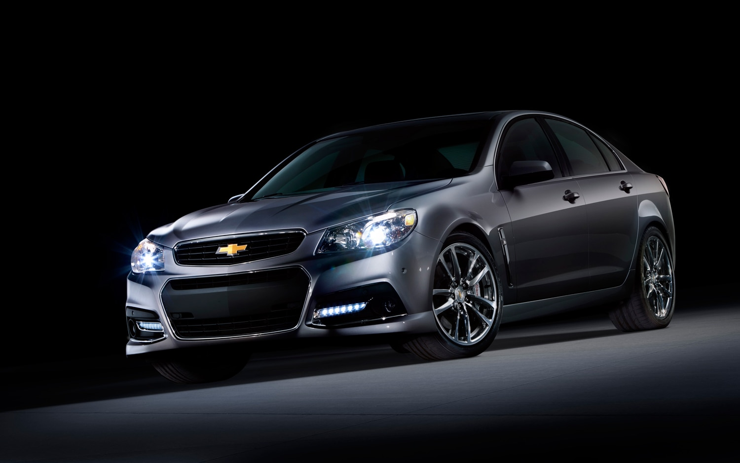 2014 Chevrolet SS Front Left View1