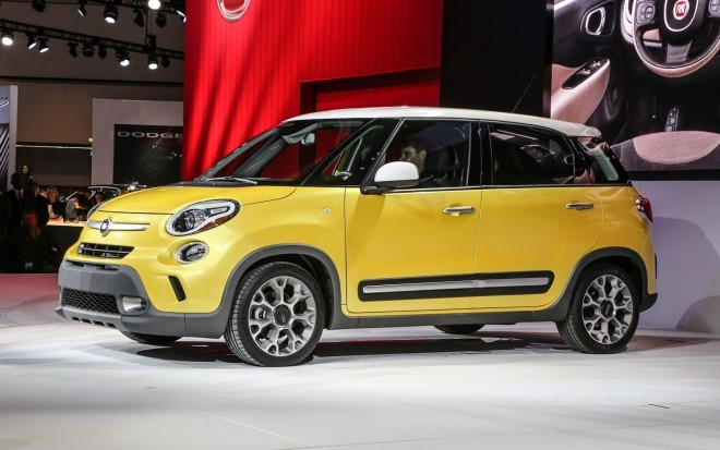2014 Fiat 500L Trekking Front Three Quarter 11 660x413