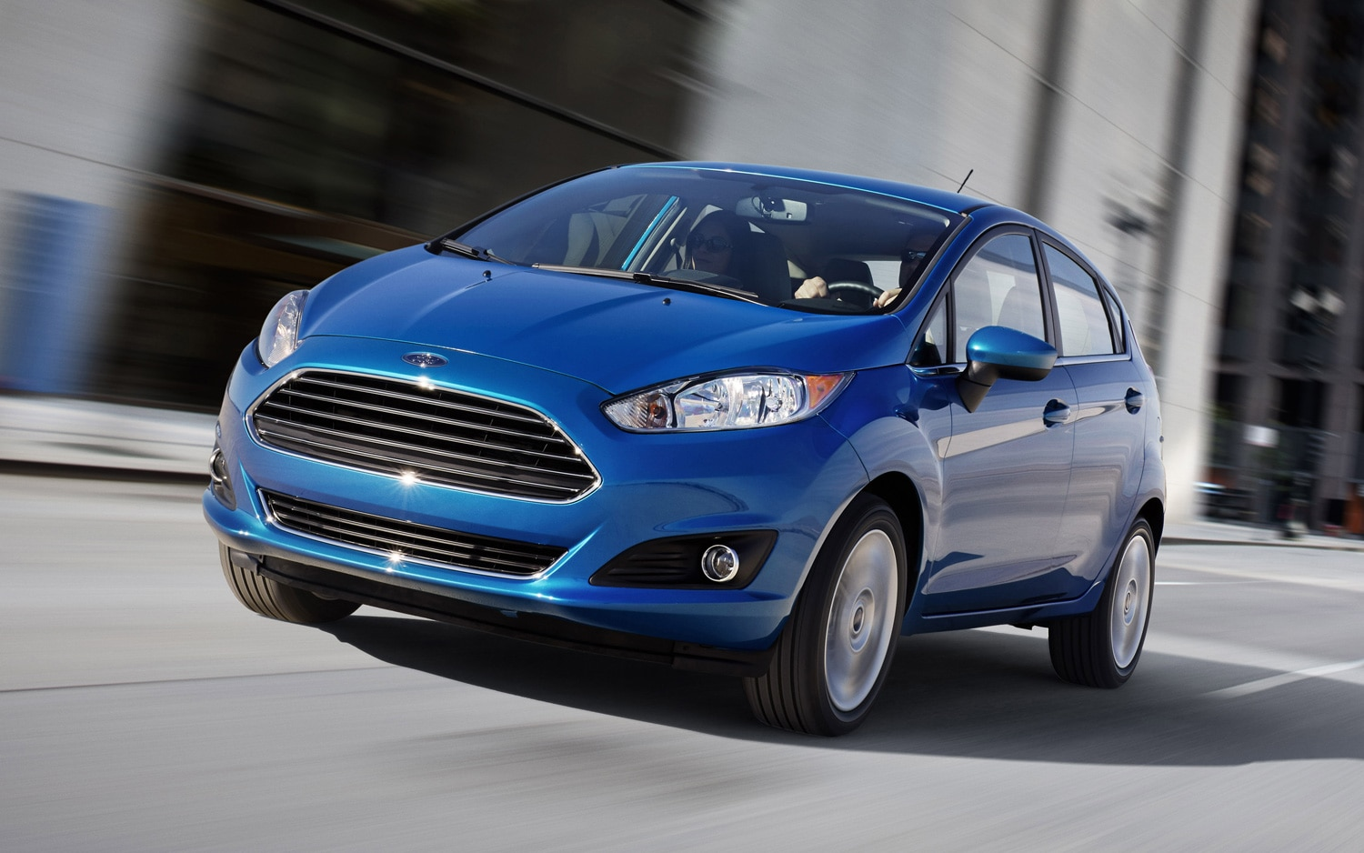 2014 Ford Fiesta Hatchback Front Three Quarter11