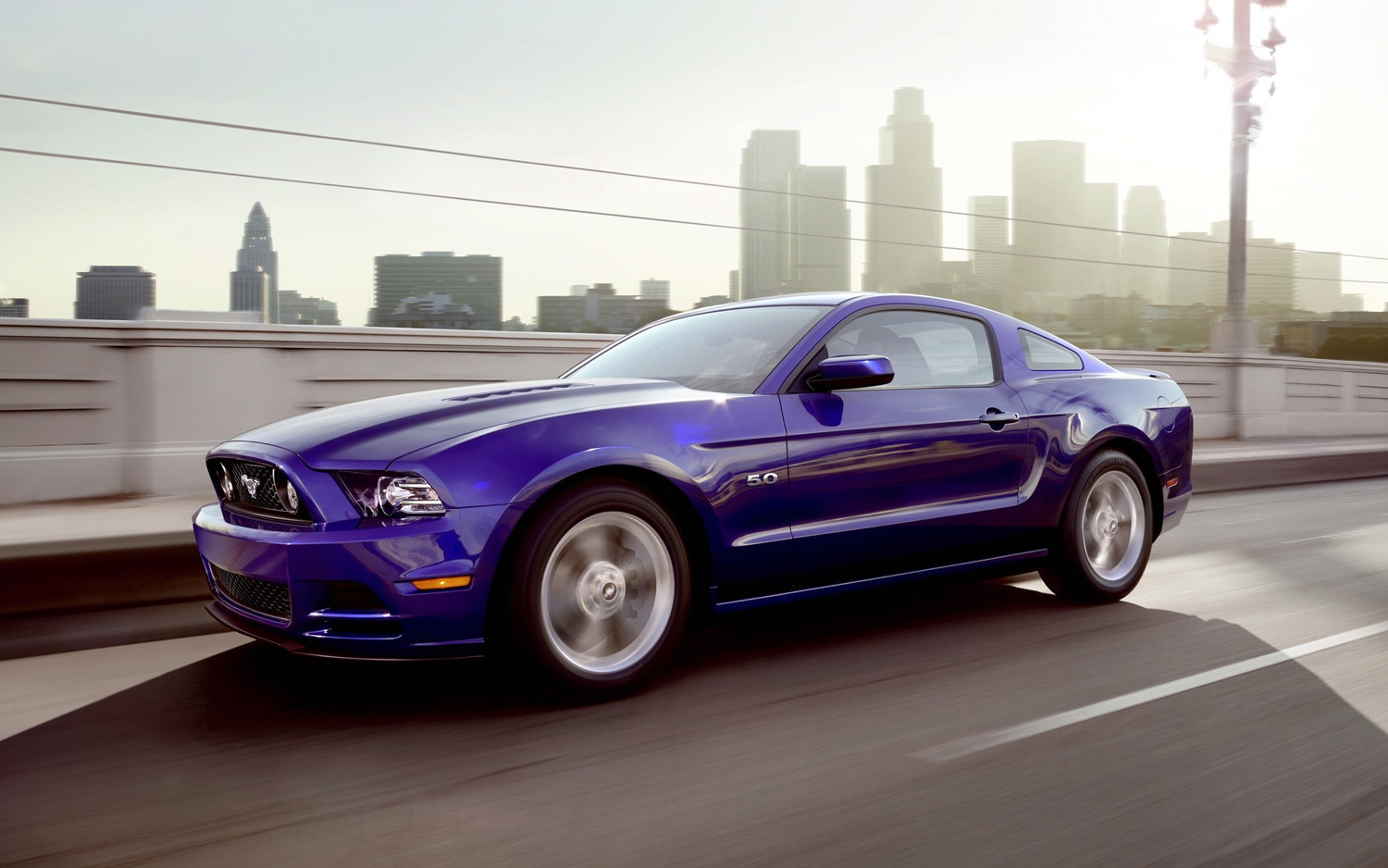 2014 Ford Mustang GT Front Three Quarter 21