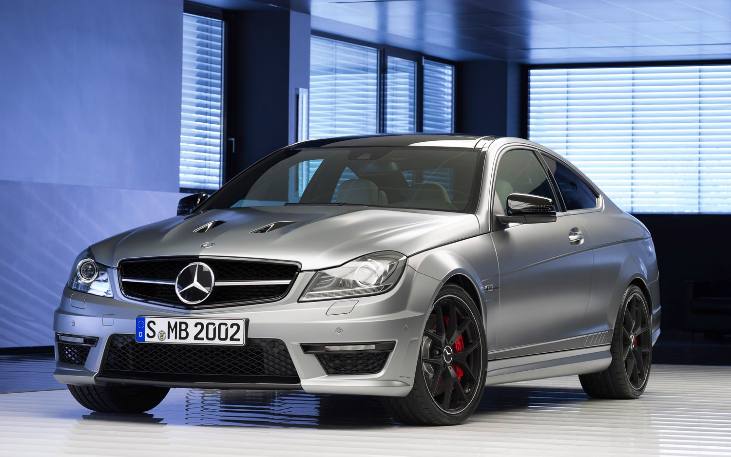 2014 Mercedes Benz C63 AMG Edition 507 Coupe Front Three Quarter 31