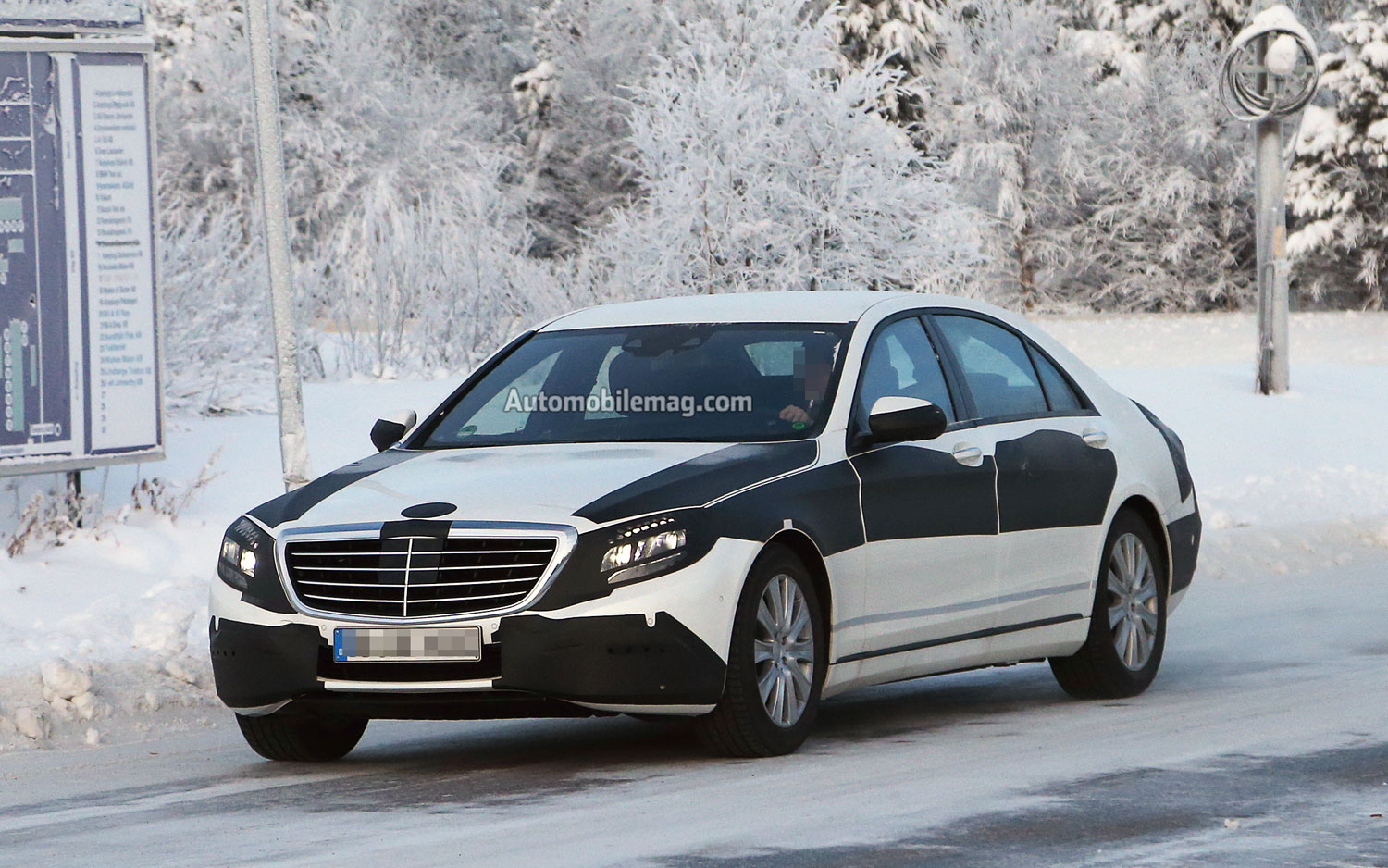 2014 Mercedes Benz S Class Front Angle1