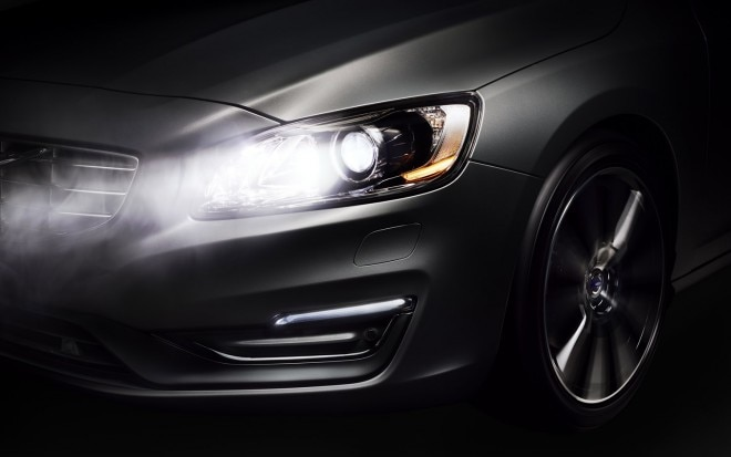 2014 Volvo S60 With Active High Beams Front Clip1 660x413