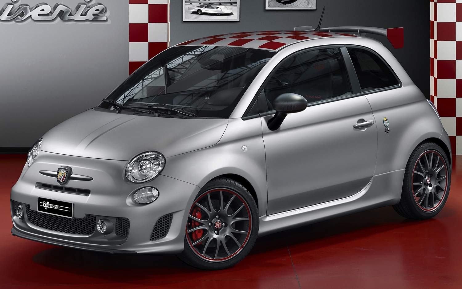 Fiat 500 Abarth 695 Record Front Side View1