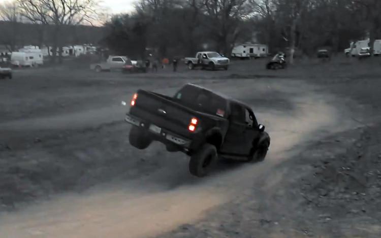 Ford F 150 SVT Raptor Jump Crash1
