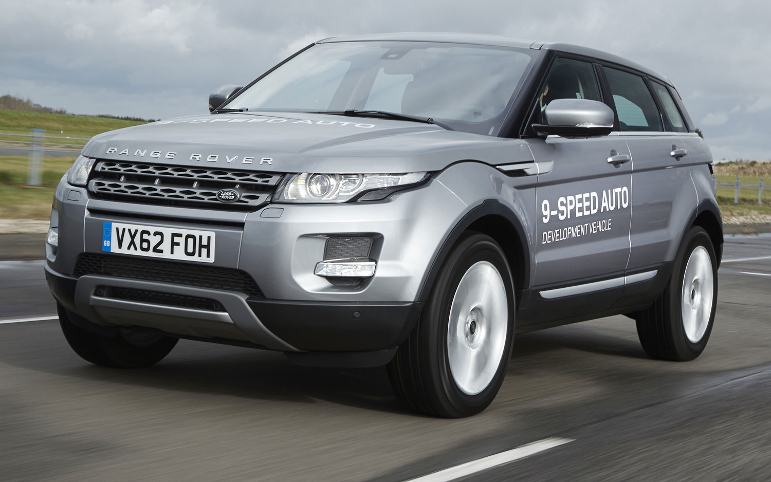 Land Rover ZF 9 Speed Development Vehicle Fron Three Quarter Motion1