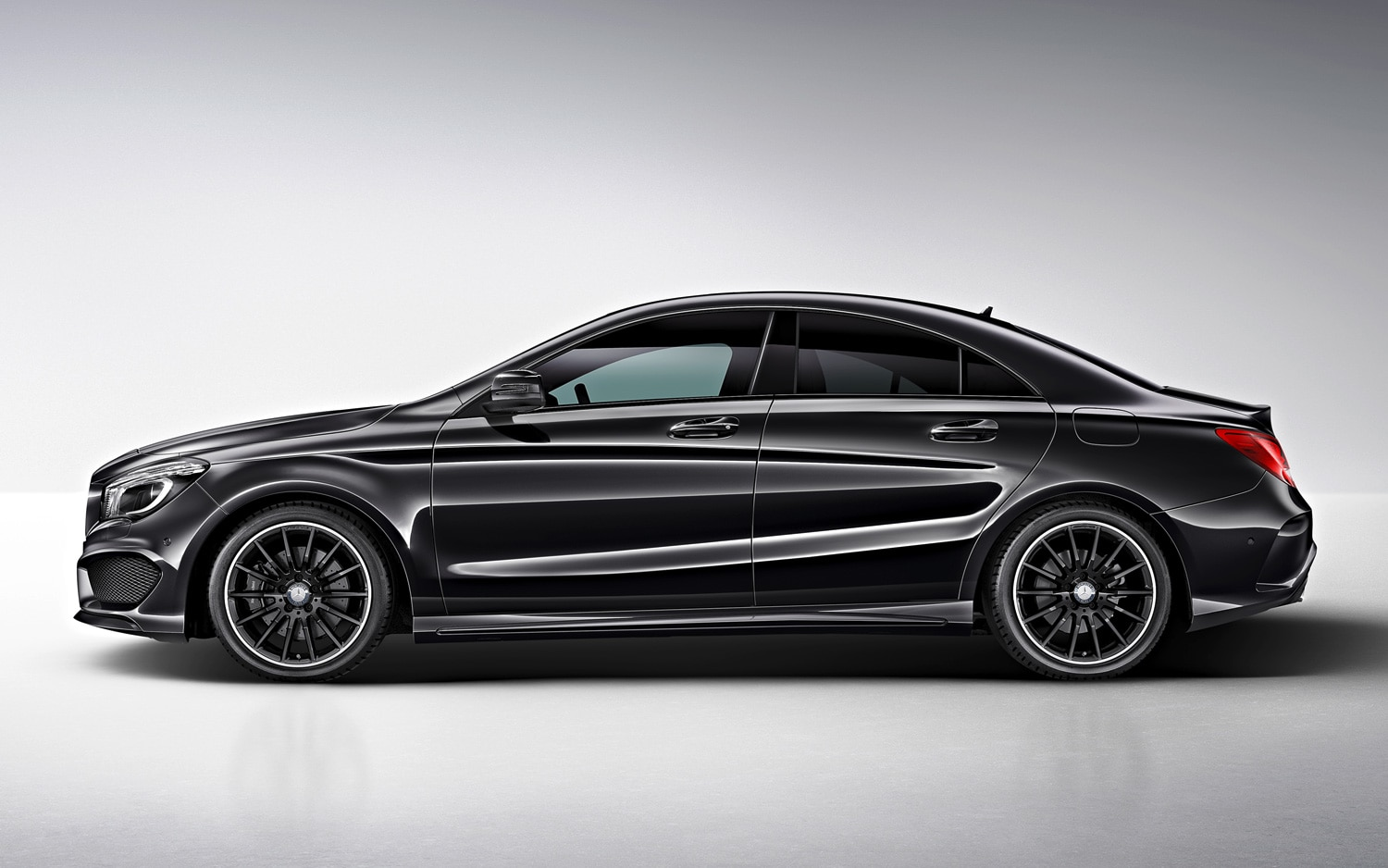 Mercedes benz cla class gains limited run edition 1 package for Mercedes benze cla
