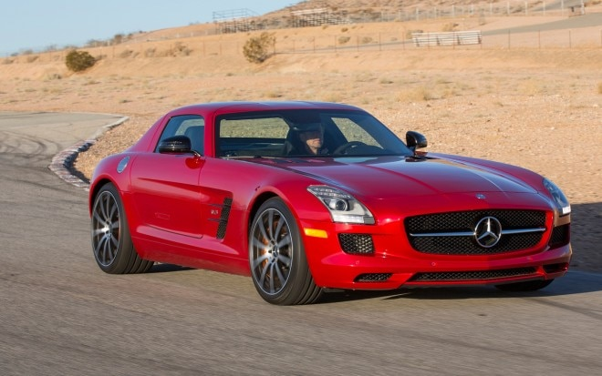 Mercedes Benz SLS AMG GT Front Right Side View1 660x413