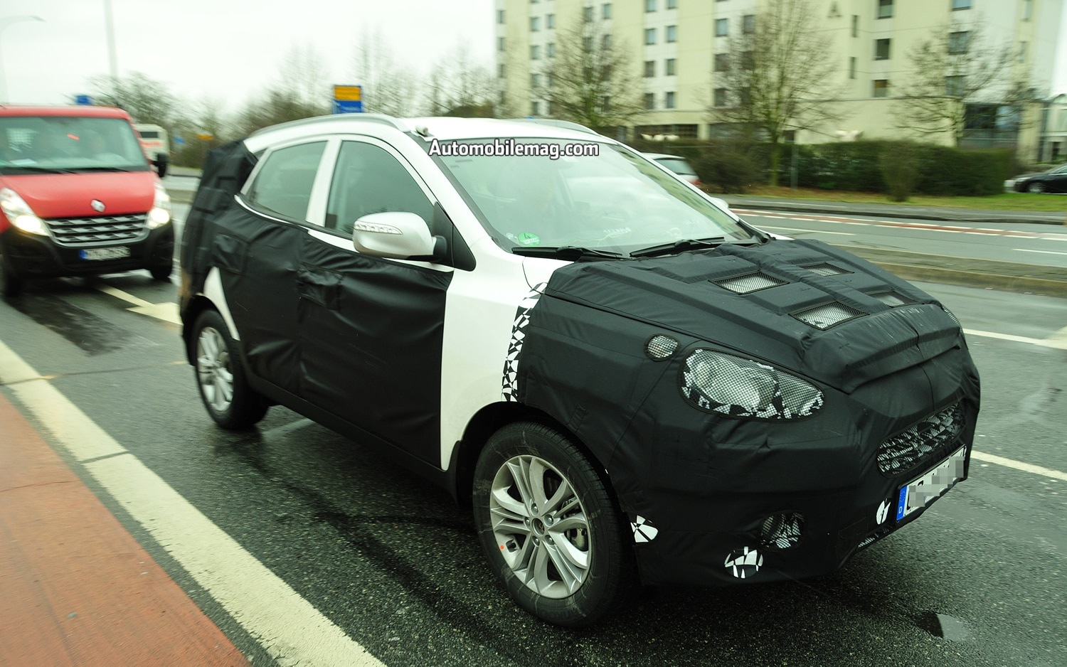 Refreshed Hyundai Tucson Prototype Right Three Quarter View1