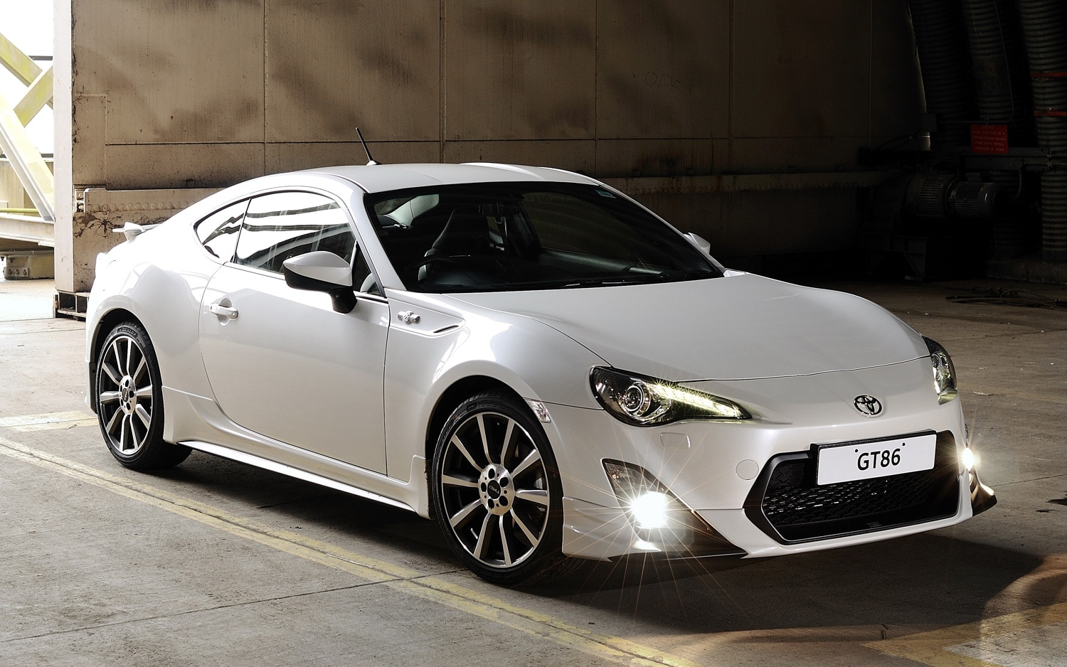 Toyota GT86 TRD Front Three Quarter1