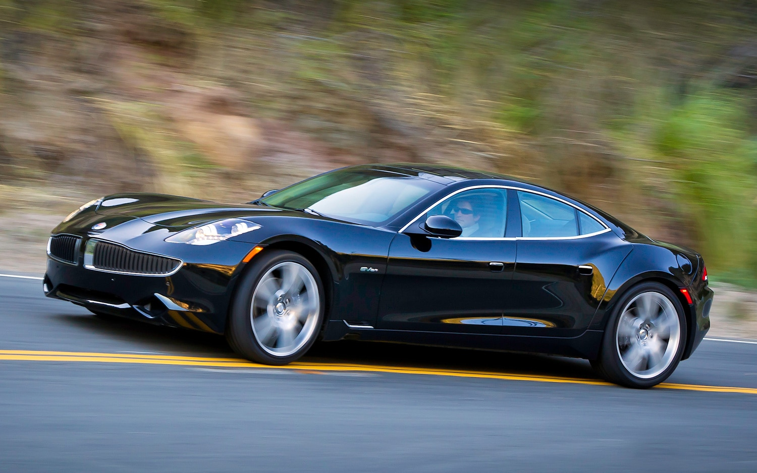2012 Fisker Karma Front Three Quarter11