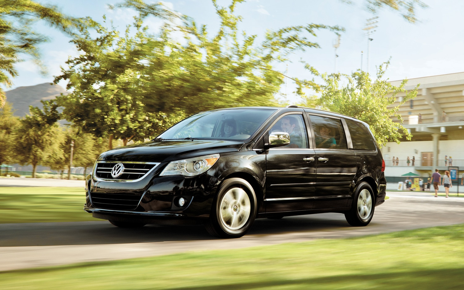 volkswagen routan minivan will be phased out this year. Black Bedroom Furniture Sets. Home Design Ideas