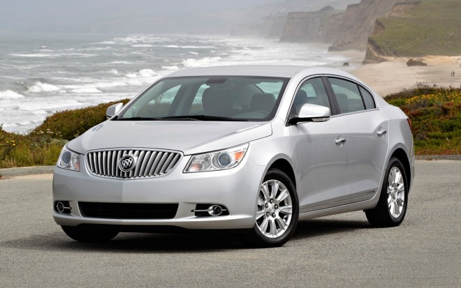 2013 Buick LaCrosse Front Three Quarter1 660x413