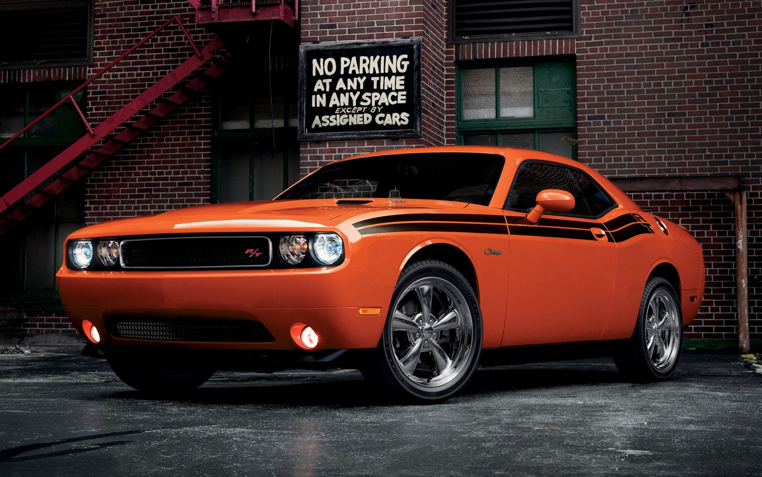 2013 Dodge Challenger Front Three Quarter1