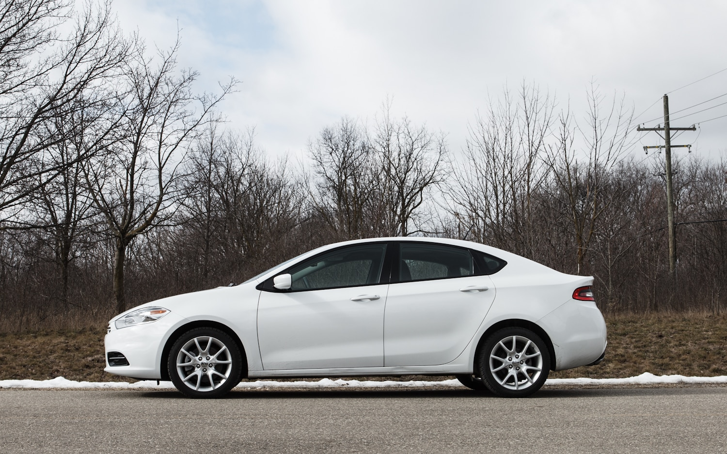 2013 Dodge Dart SXT Left Side View1