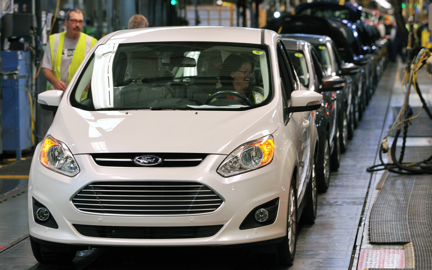 2013 Ford C Max Front On Assembly Line1