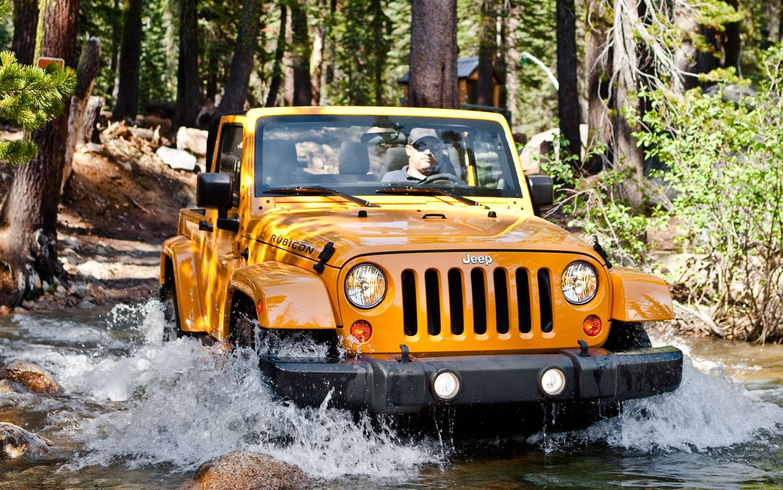 2013 Jeep Wrangler Rubicon Front11