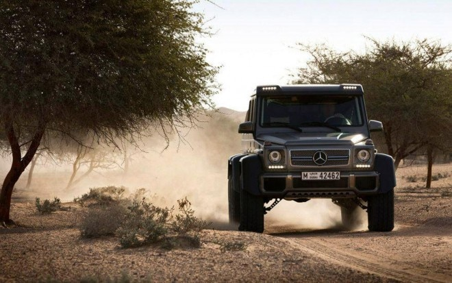 2013 Mercedes Benz G63 AMG 6x6 Front View1 660x413