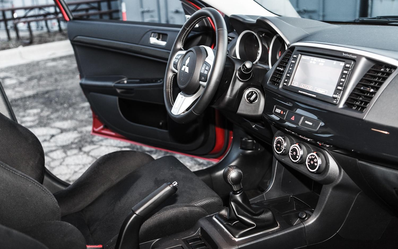2013 Mitsubishi Lancer Evolution - Information and photos ...