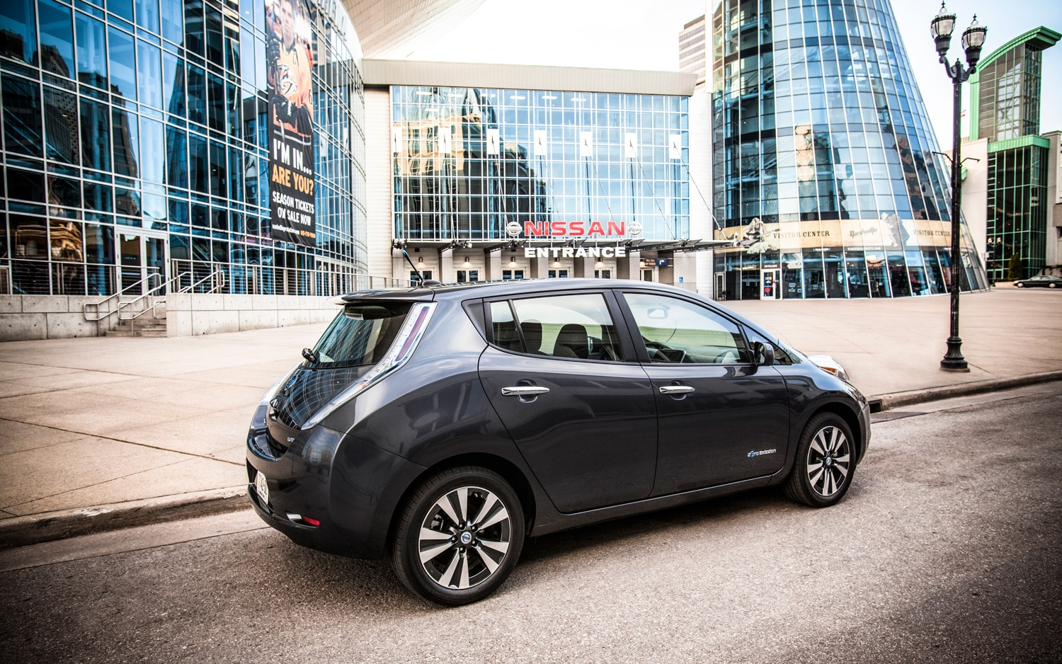 2013 Nissan Leaf Right Rear View1