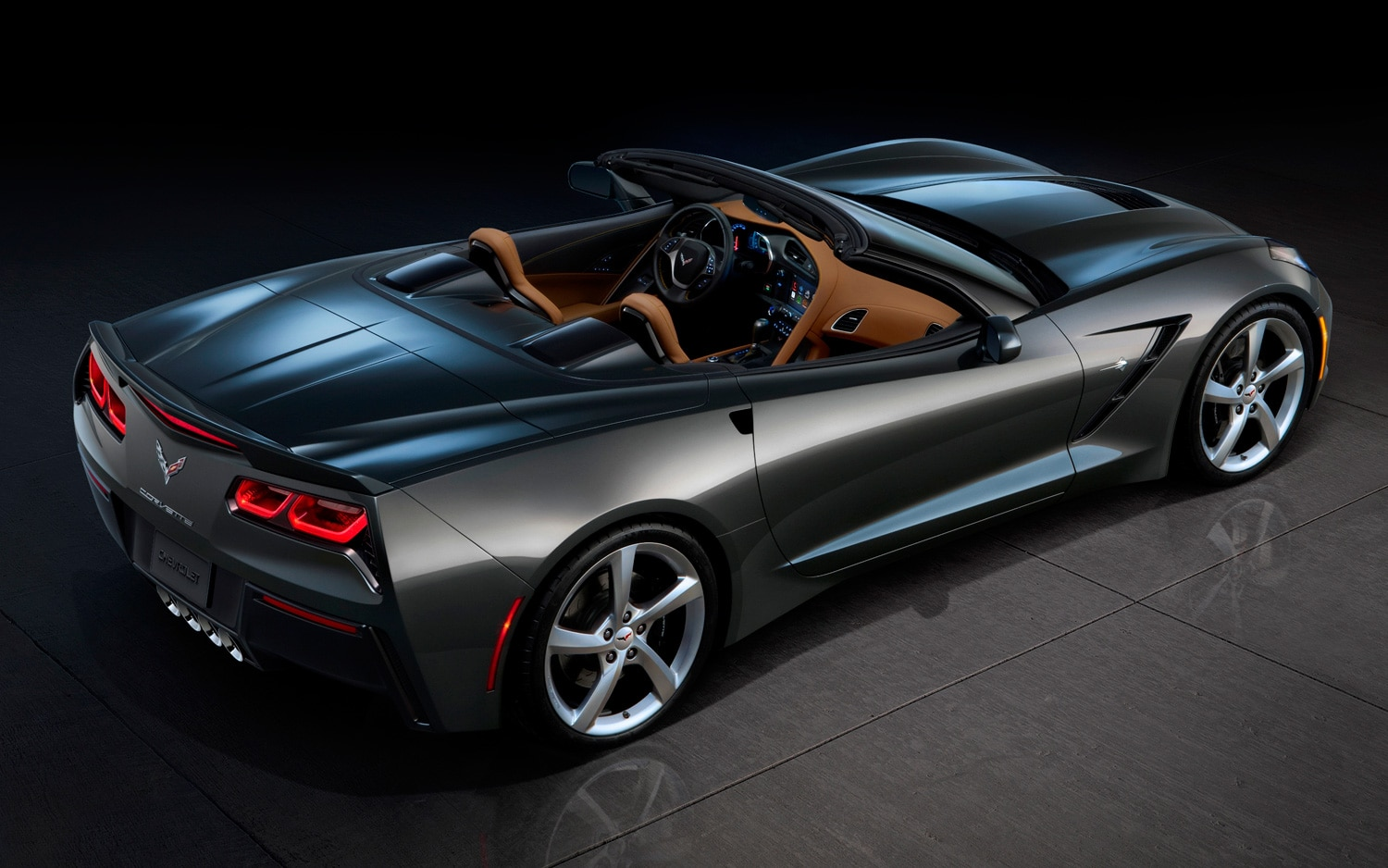 2014 Chevrolet Corvette Stingray Rear Three Quarters View Top Down1