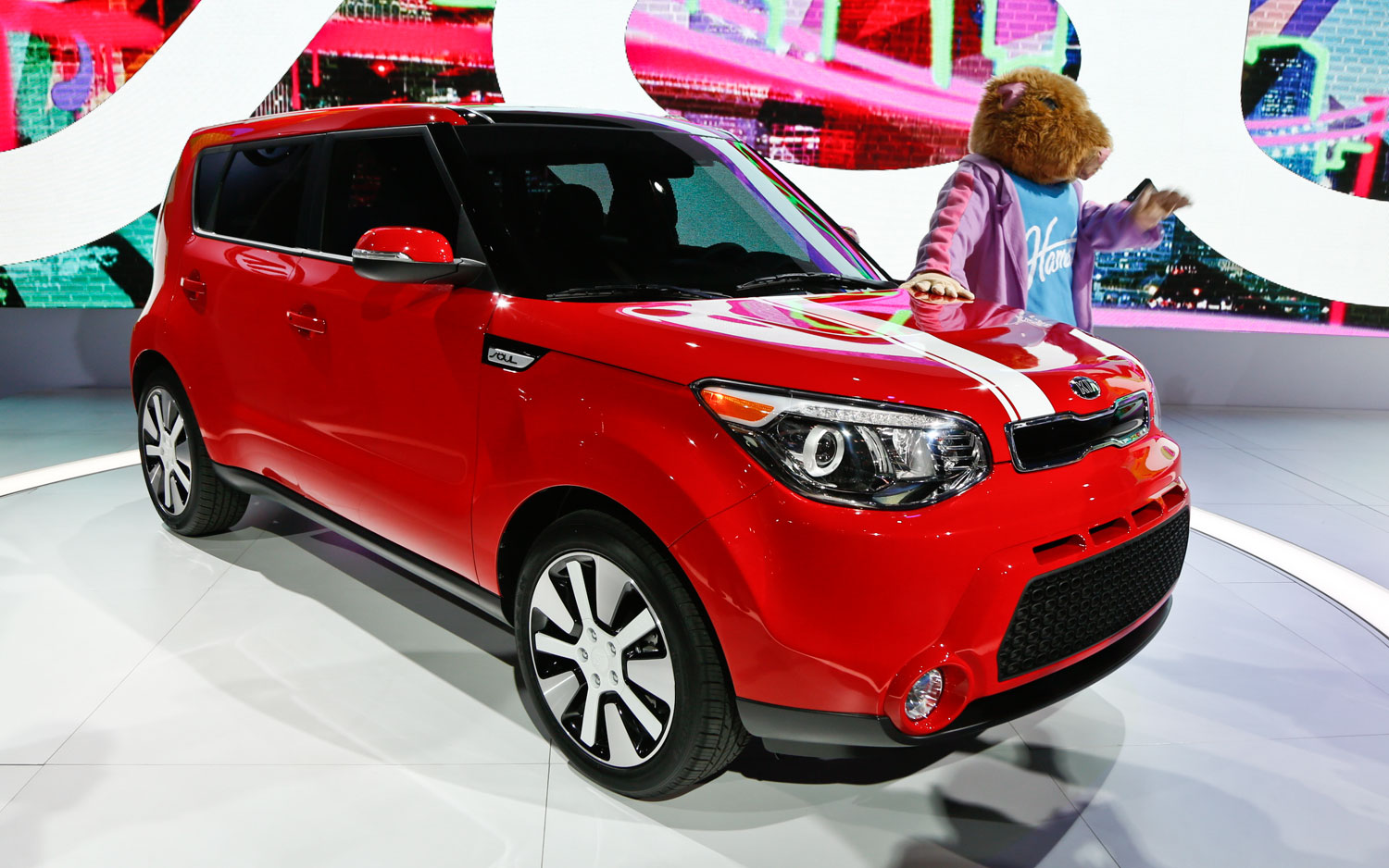 2014 Kia Soul Front Right View2