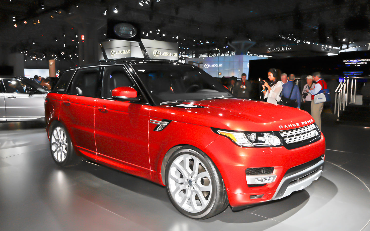 2014 Land Rover Range Rover Sport Front Right View1