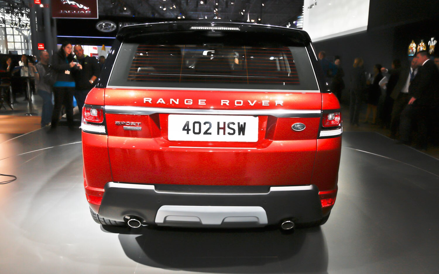 Supercharged powertrains the 2014 range rover